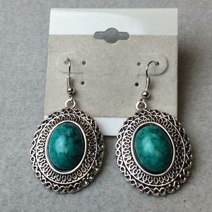 Jewelry - New Green and Silver Earrings